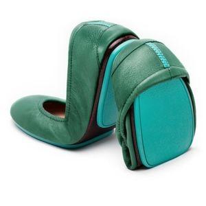 {BRAND NEW} Pacific Green Tieks Flats Size 8